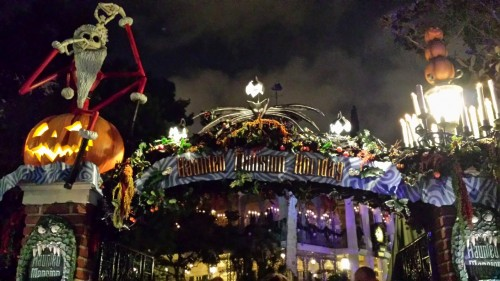 MHP_Haunted Mansion Holiday
